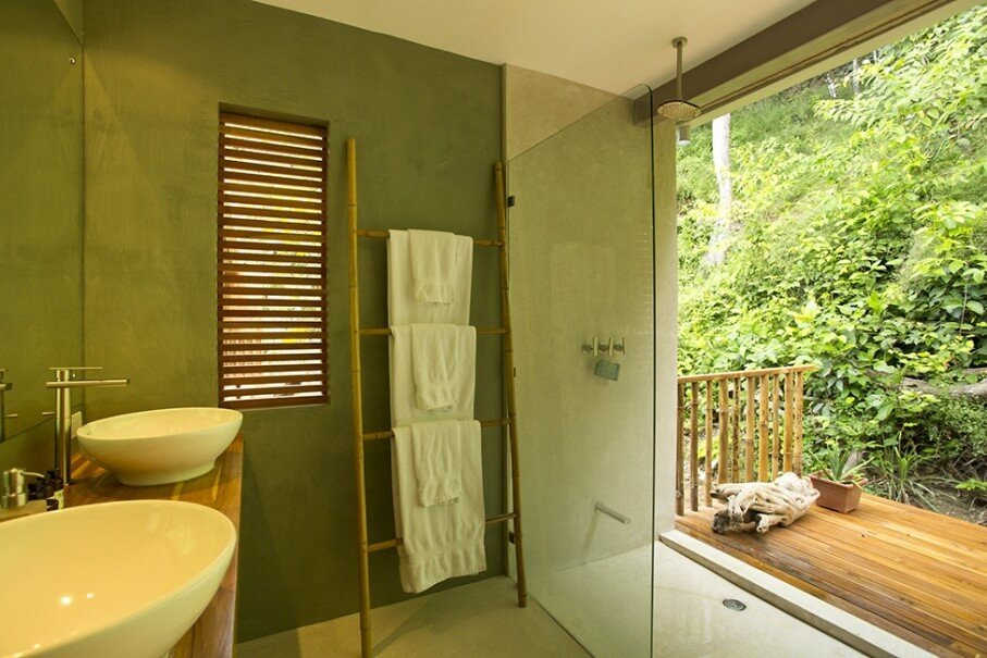 Exotic Green Bathroom