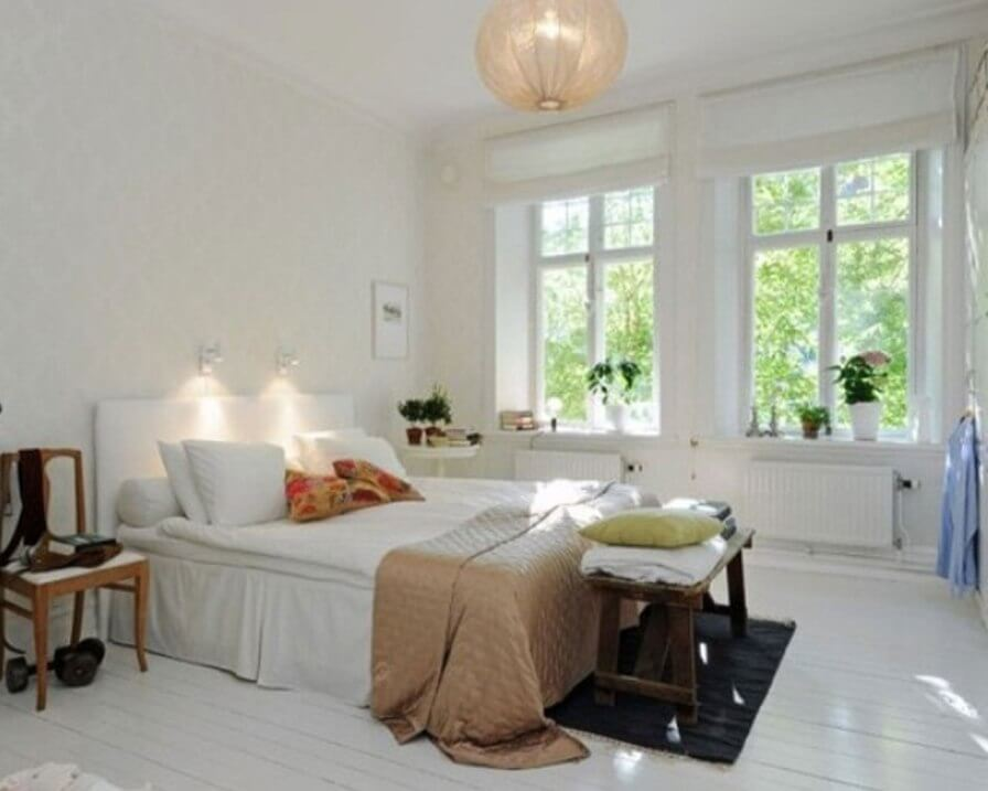 Cozy white bedroom design