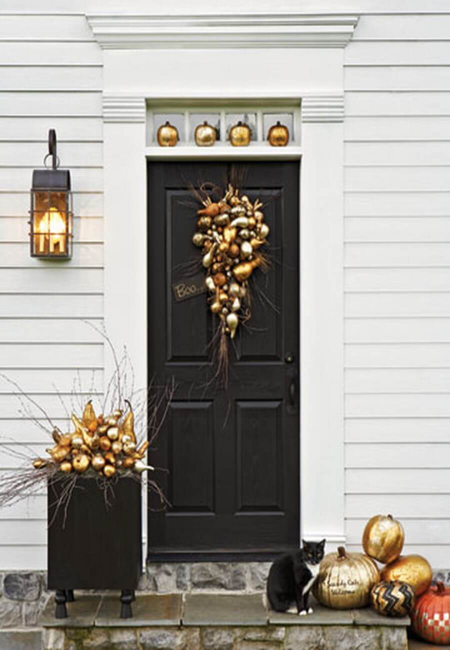 Golden Halloween decorations