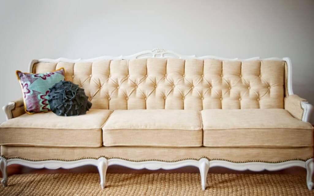 Creamy Vintage Sofa