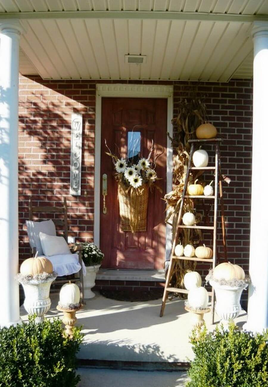 Fall pumpkin front door decor