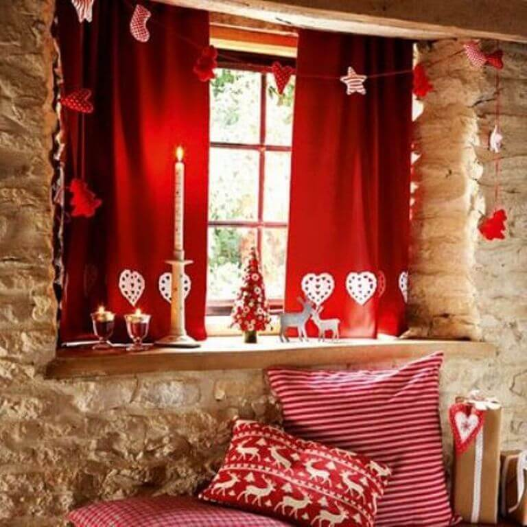 Charming Red Decor