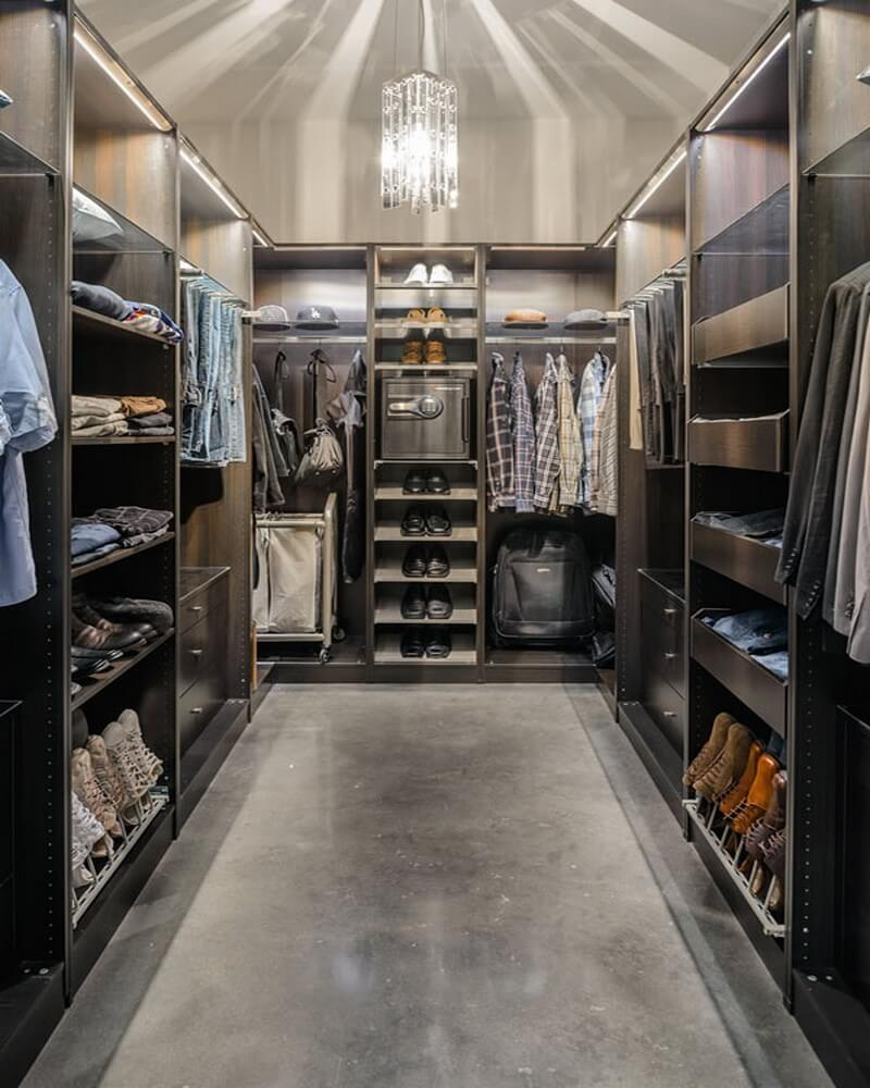 Walk In Closets That Are The Definition Of Organization: 15 Statement Masculine Walk-In Closet Designs
