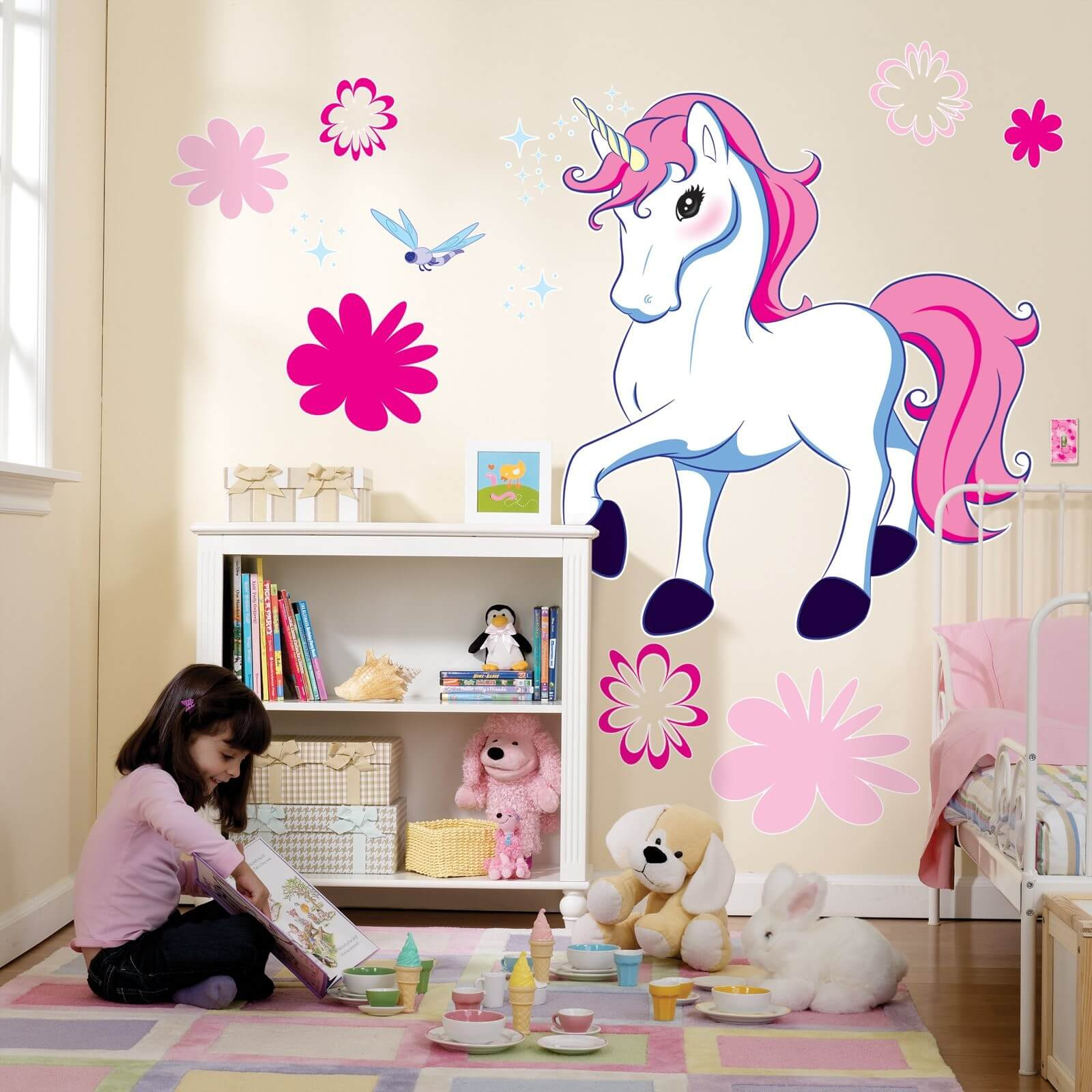 9 unicorn inspired bedroom for girls for Unicorn bedroom theme