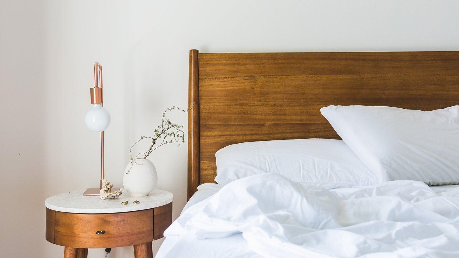 8 Farmhouse Inspired Bedroom Designs