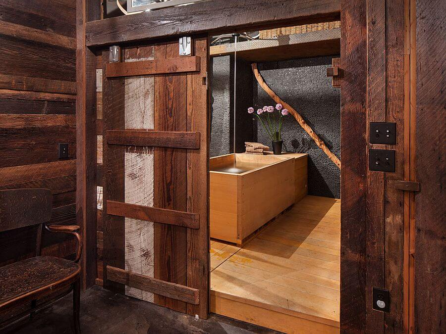 8 rustic bathroom designs with sliding barn doors https for Rustic barn designs