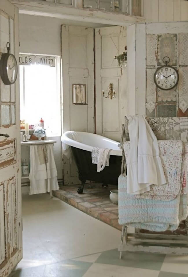vintage shabby chic bathroom