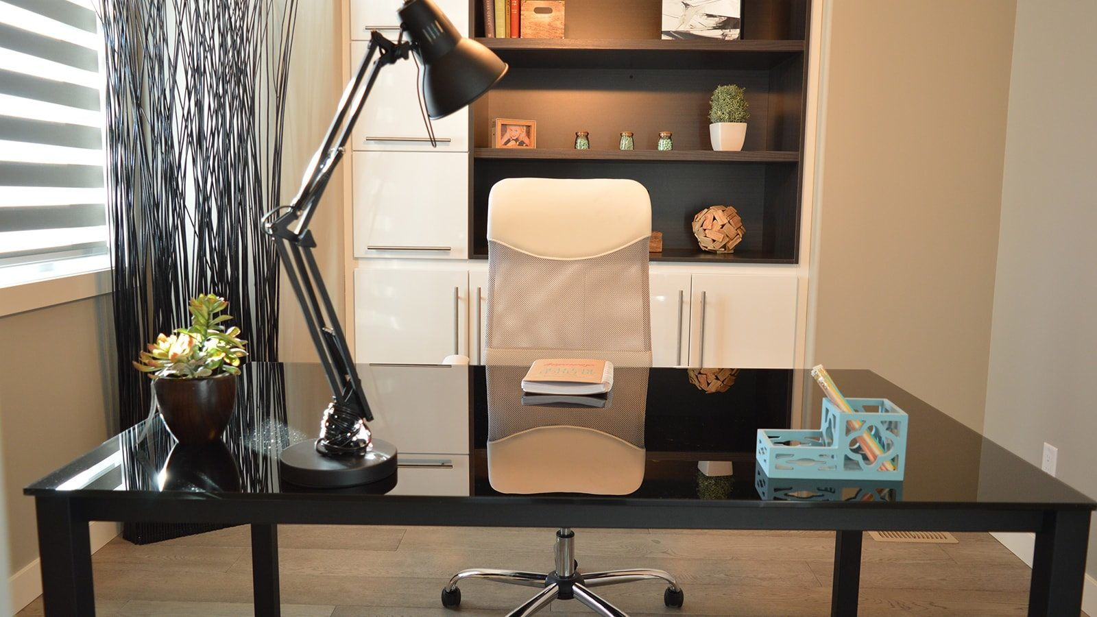 Cool Ideas for Home Offices in Small Apartments that You Probably Didn't Think Of