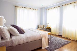 De-Clutter Your Bedroom