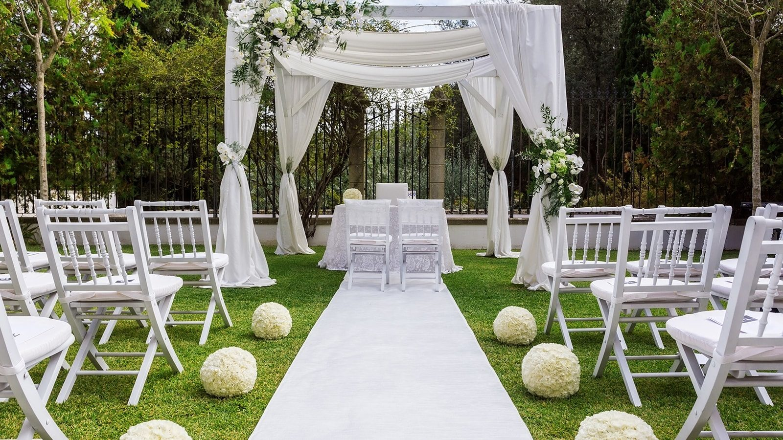 3 Design Tips for Building a Wedding Venue