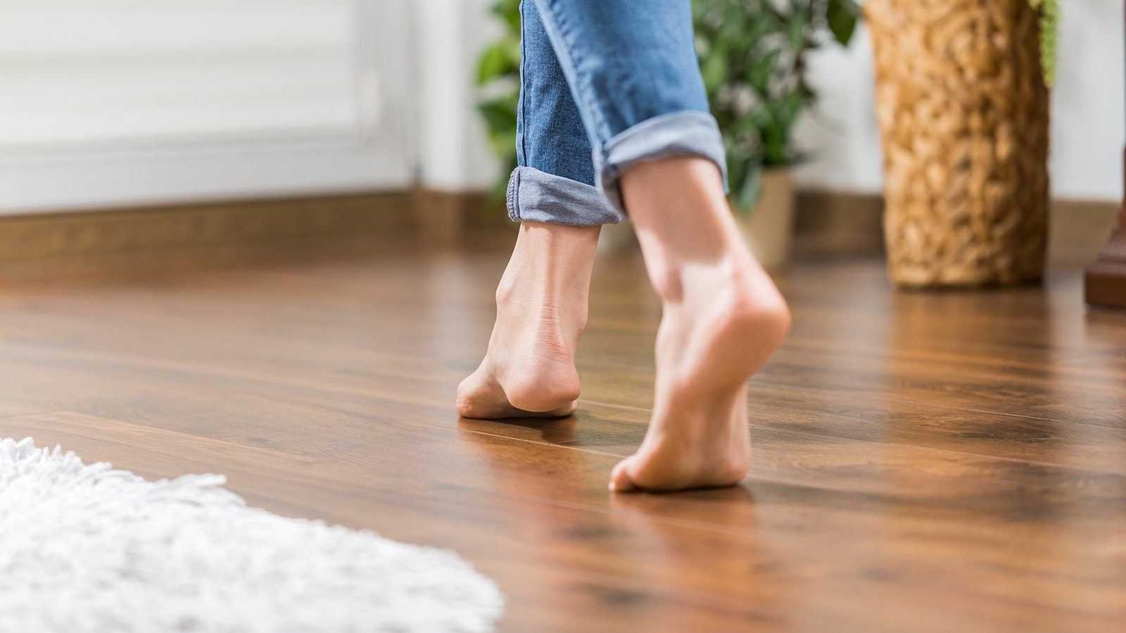 8 Awesome Benefits of Hardwood Floors for Your Home