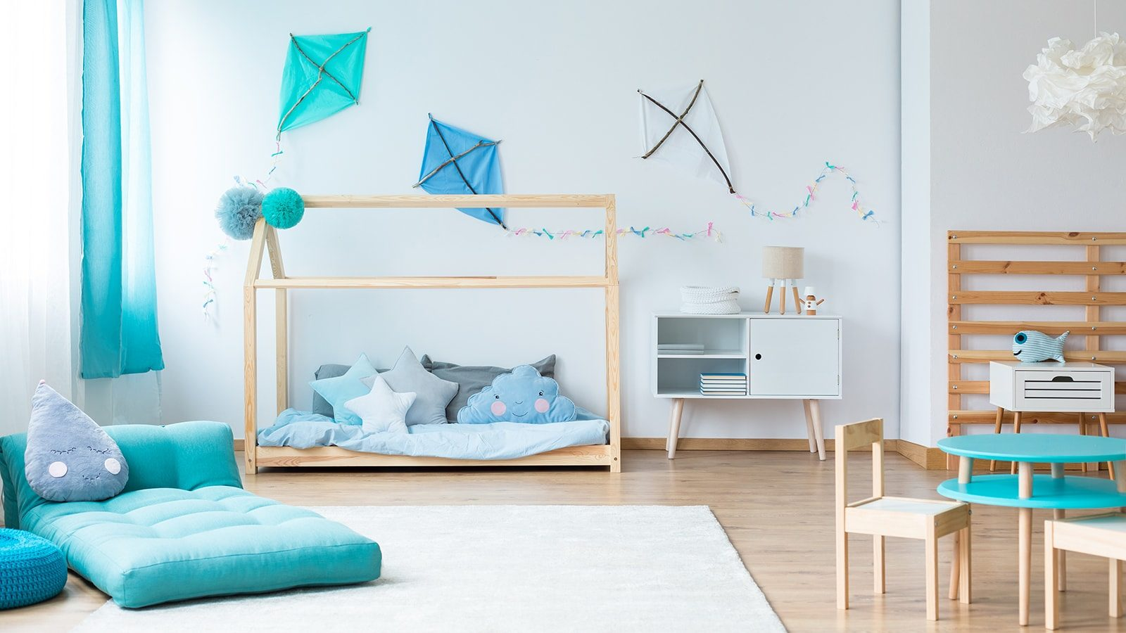 Kid's room with blue color scheme