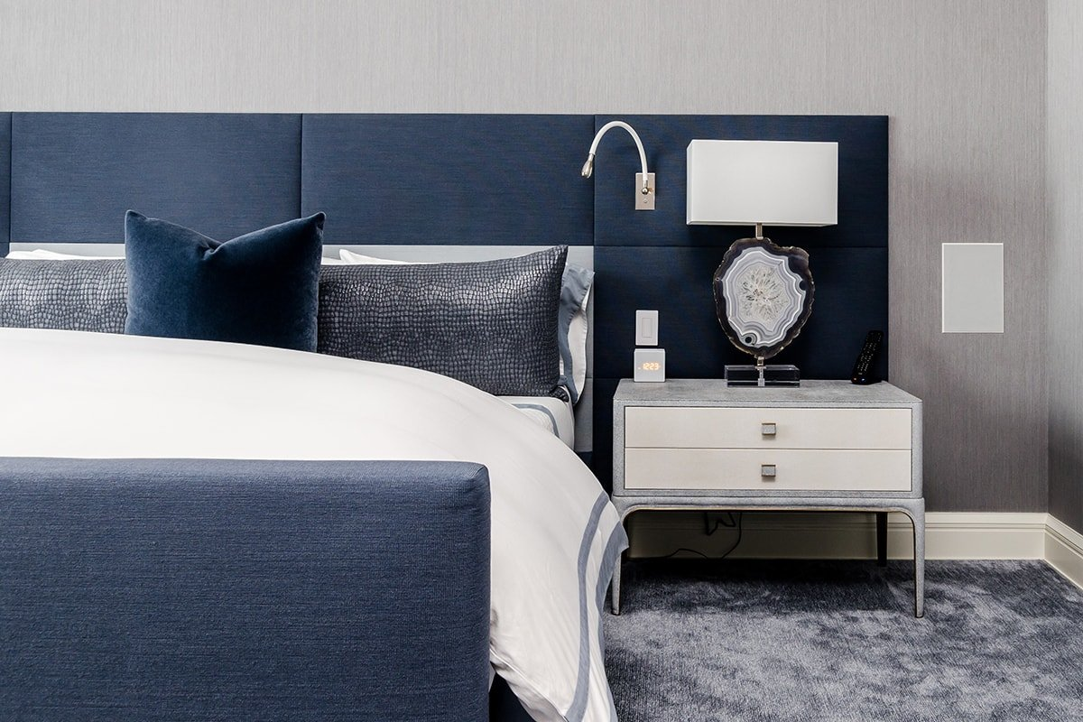 This bed looks good and matches the room's style