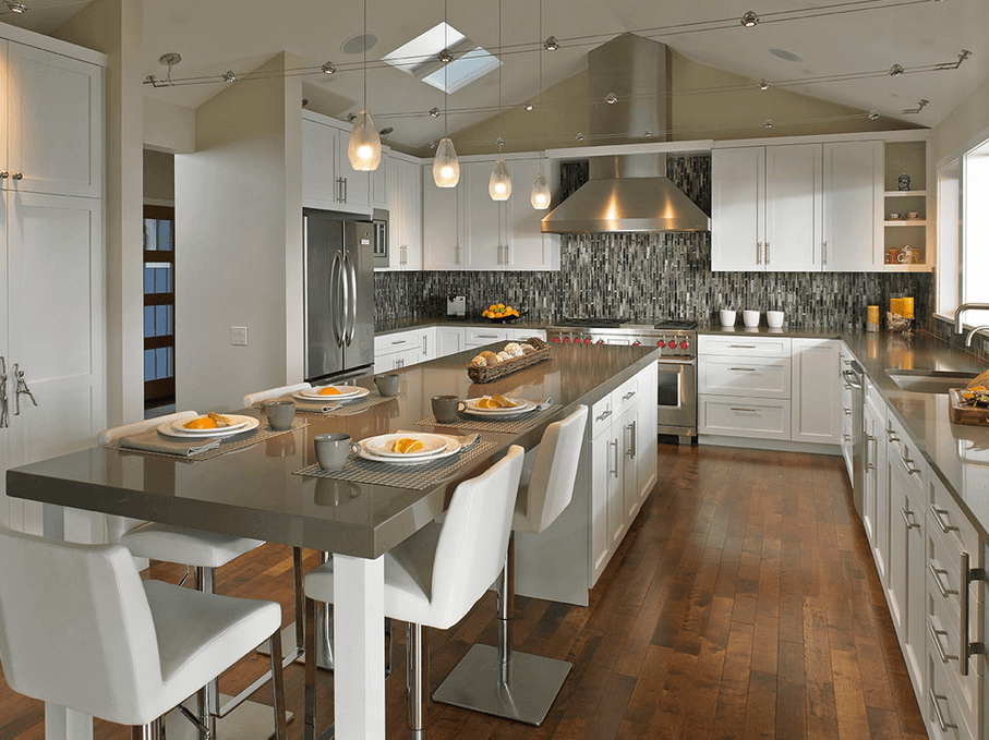 Long and modern kitchen island