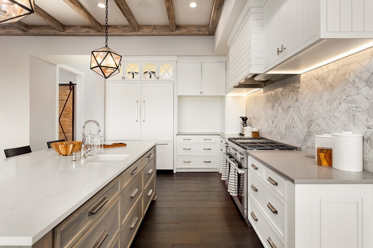 White and wood style kitchen