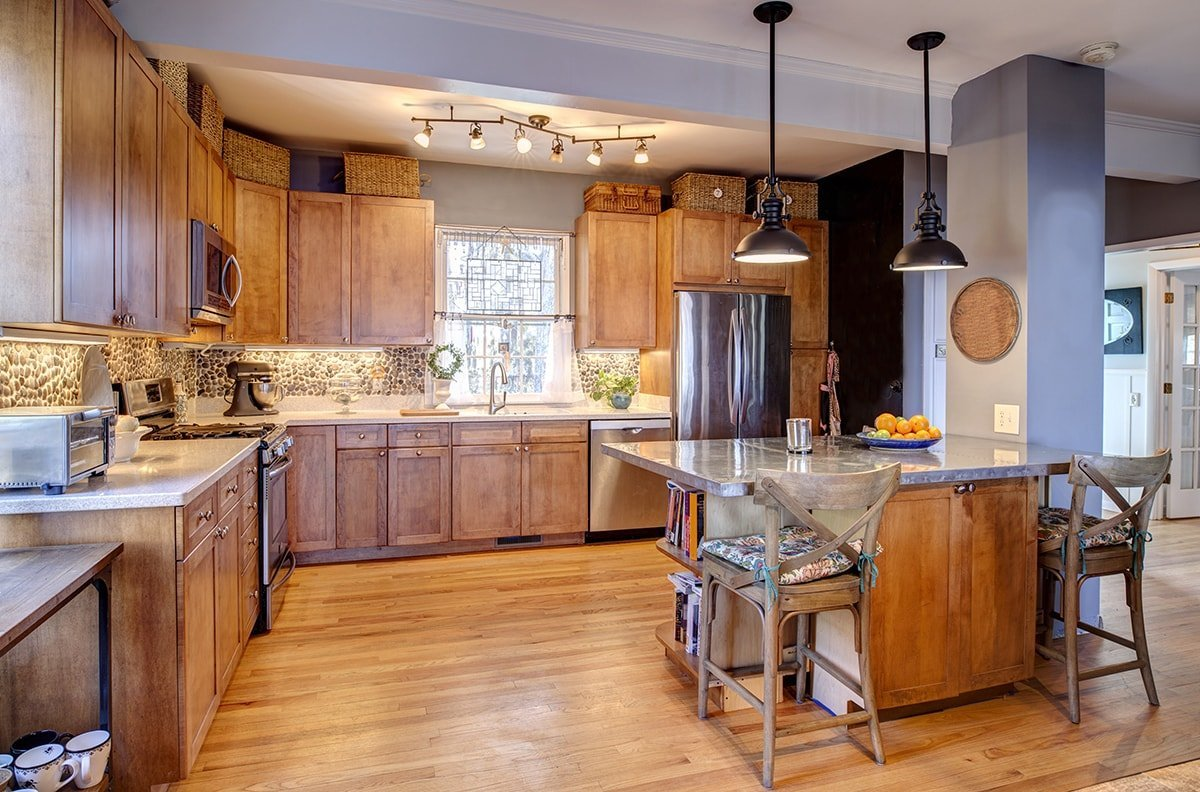 Rustic kitchen with quartz counter tops