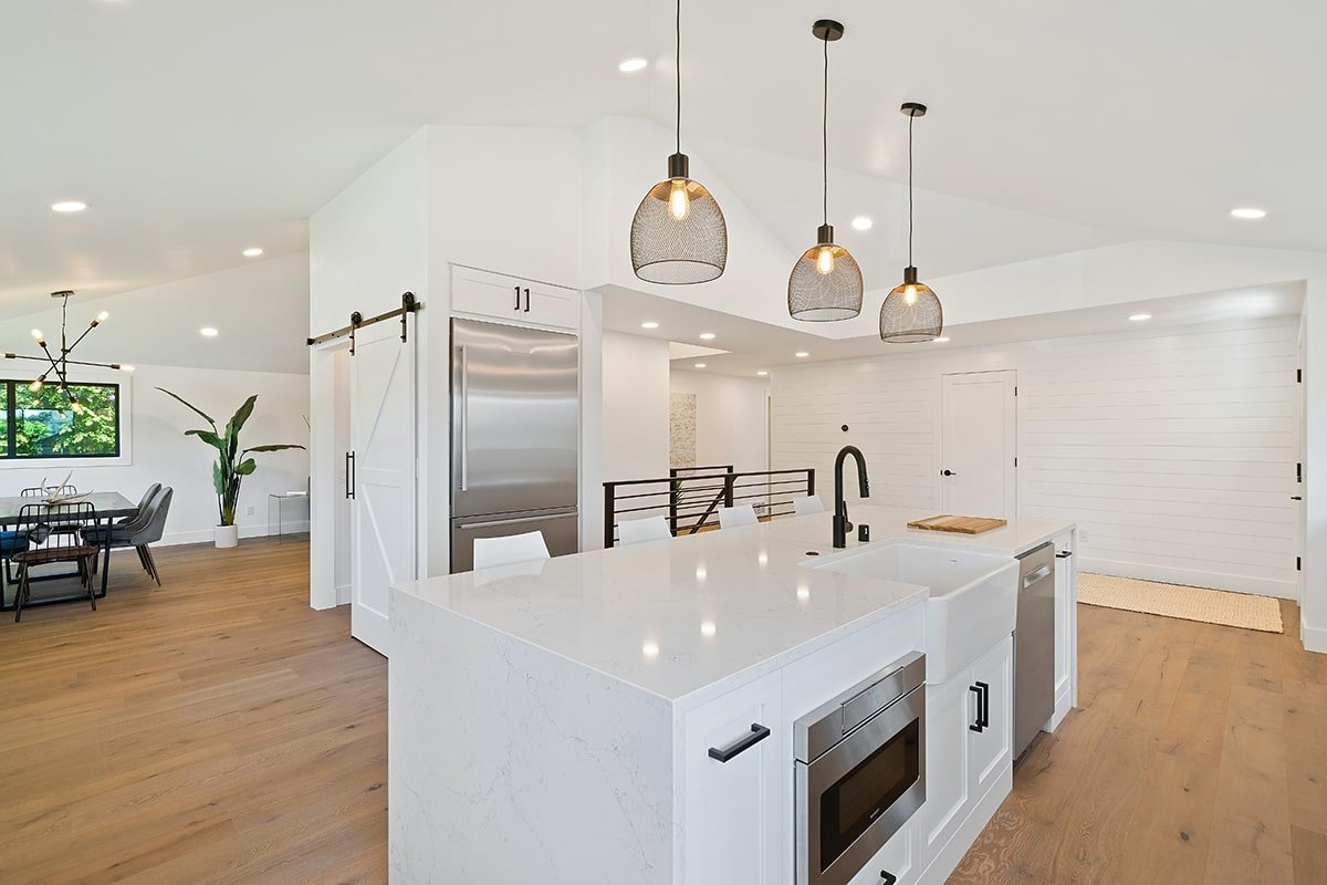 Glow pendant lights in kitchen